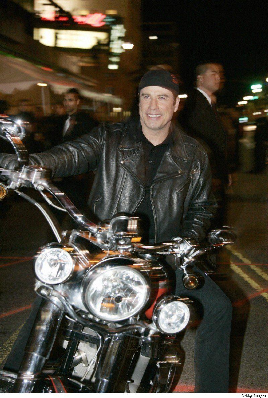 Ils ont posé avec une Harley, uniquement les People - Page 21 Travol10