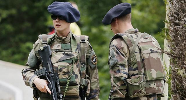 L'armée française sur le « front russe »… 10357110