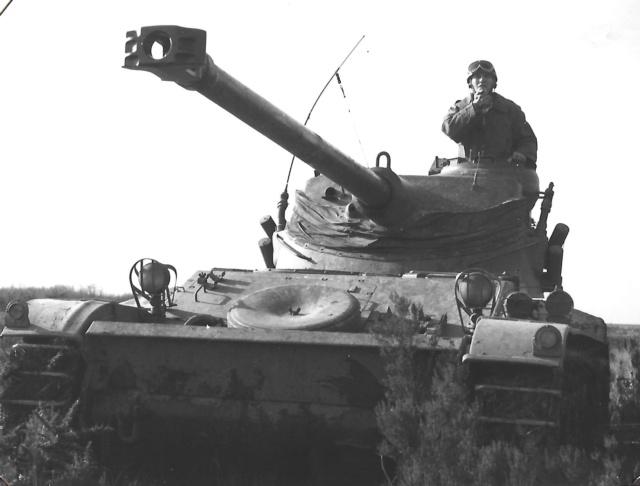 l'EBR, un véhicule à 8 roues ! Amx1310