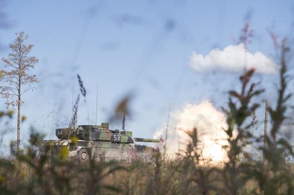 Russie : 2.685 chars de combat en service Lecler11