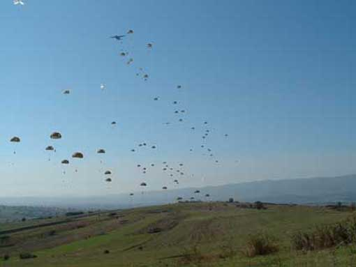 Un saut au KOSOVO en octobre 2004 Oap01510