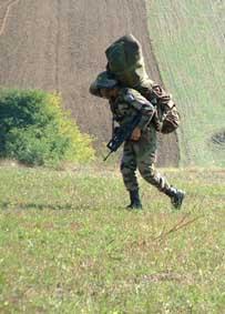 Un saut au KOSOVO en octobre 2004 Oap03811
