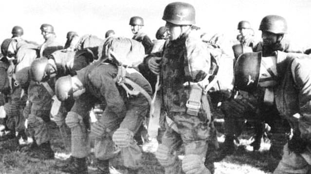 Parachutistes allemands Seconde Guerre Mondiale Parach12