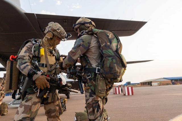 Un Commando Parachutiste au 17ème RGP Rgp310