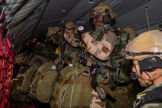 Un Commando Parachutiste au 17ème RGP Rgp410