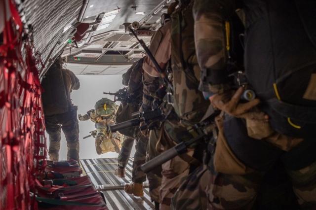 Un Commando Parachutiste au 17ème RGP Rgp510