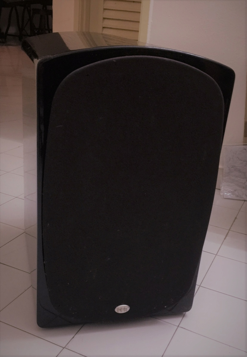 NHT10 Active subwoofer 135