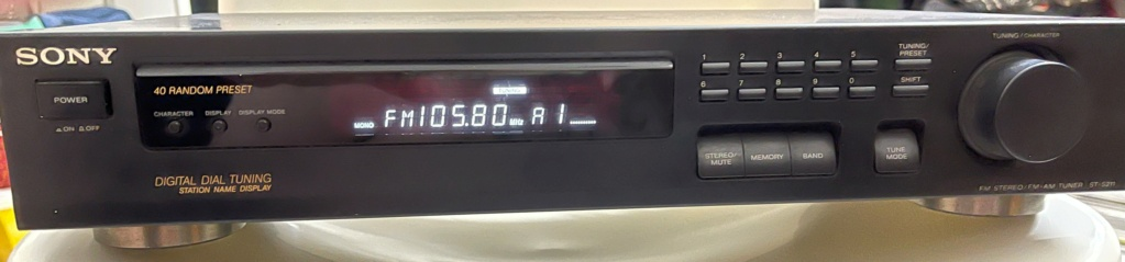 Sony FM/AM Digital tunner ST-S211-made in Japan(Sold) 138
