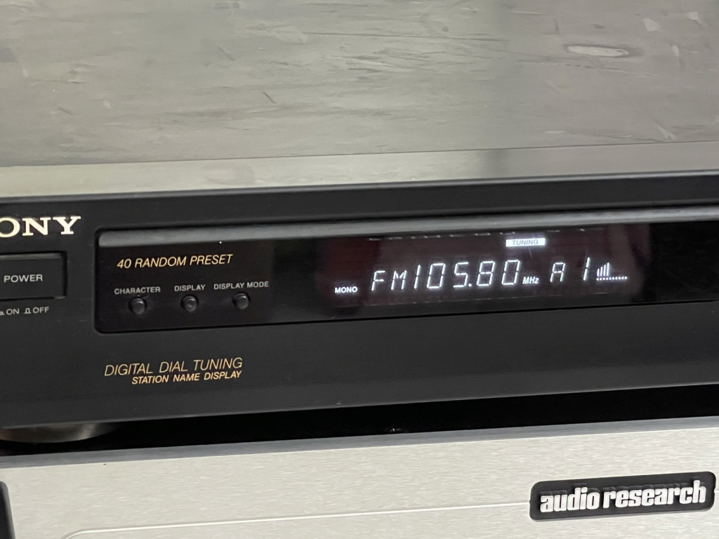 Sony FM/AM Digital tunner ST-S211-made in Japan(Sold) 7a10