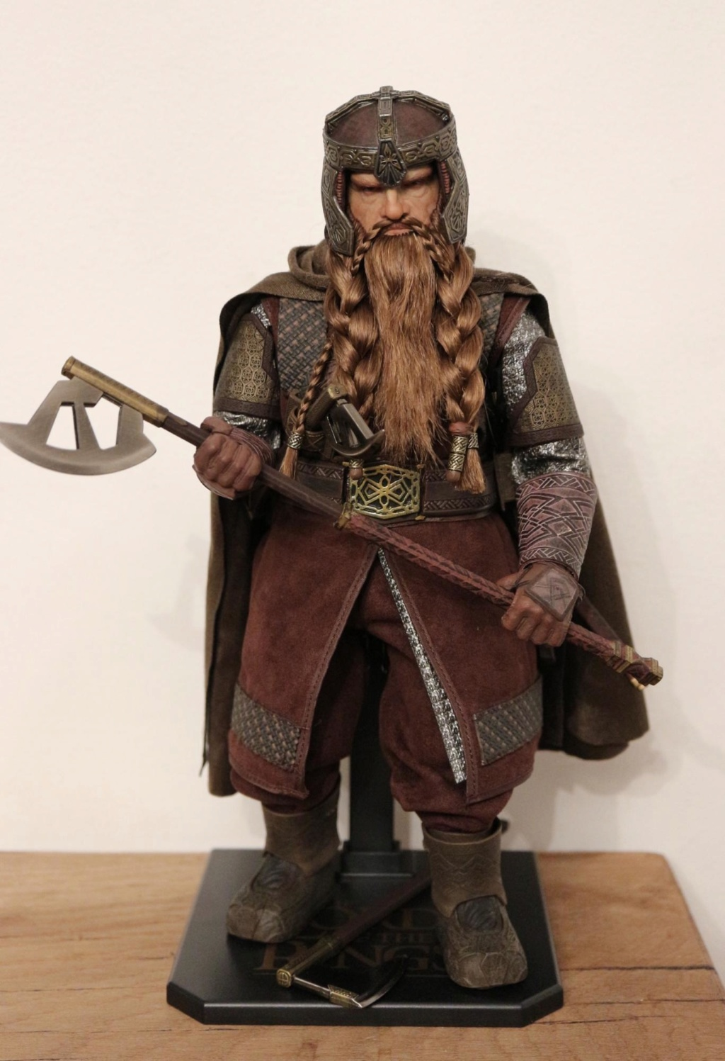 NEW PRODUCT: Asmus Toys The Lord of the Rings Series: Gimli (LOTR018) Timeme10