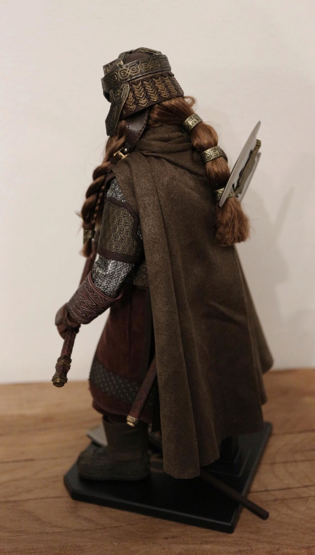 NEW PRODUCT: Asmus Toys The Lord of the Rings Series: Gimli (LOTR018) Timeme14