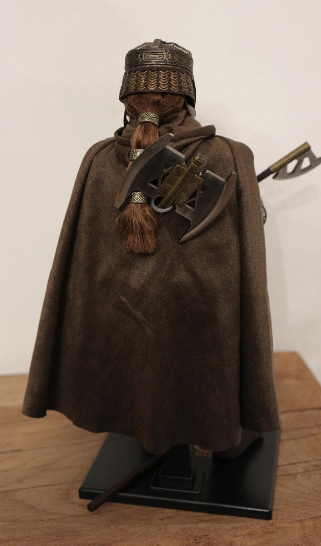 NEW PRODUCT: Asmus Toys The Lord of the Rings Series: Gimli (LOTR018) Timeme16
