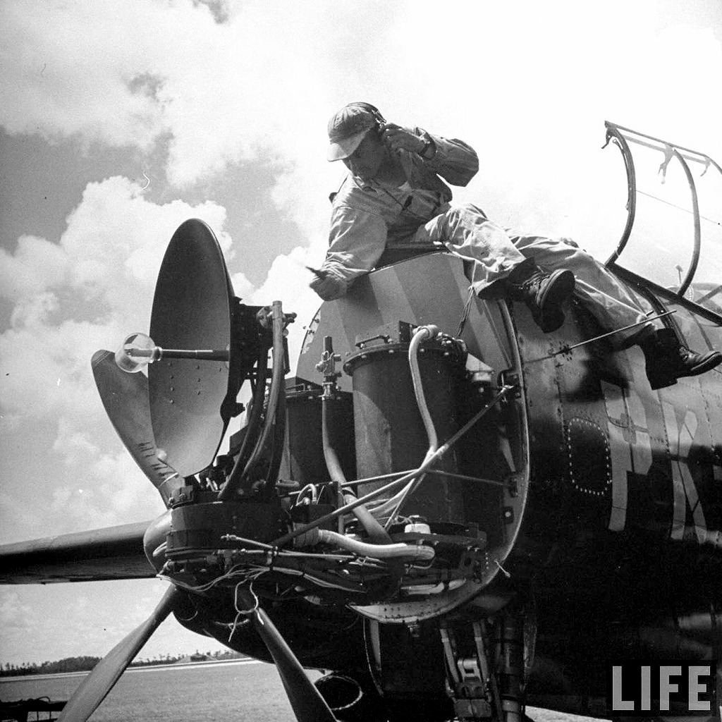 """P-61A-10 Black Widow SN 42-5598 """"Sleepy Time Gal II"""" Cpt. Ernest Thomas - 6th NFS - 1945 (1/32) - Page 2 0712"""