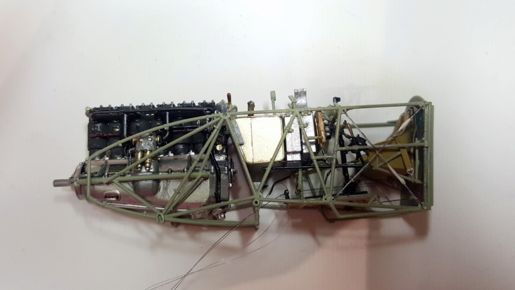 "[Concours WWI] Fokker D.VII ""Early"" - Max Kliefoth / Jasta 19 - Octobre 1918 - 1/32 - Page 4 20180102"