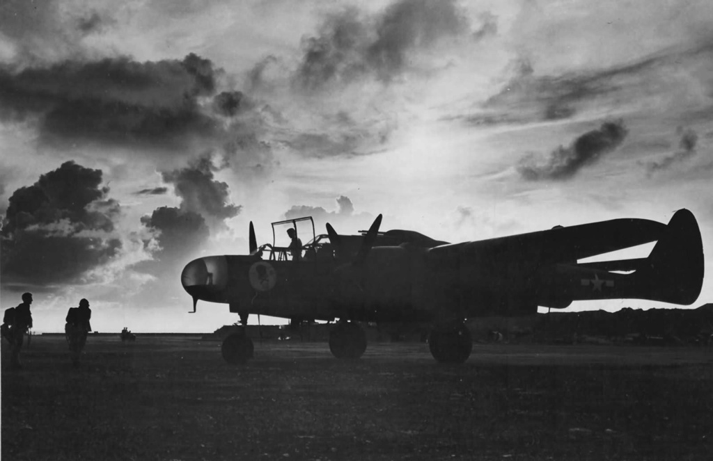 """P-61A-10 Black Widow SN 42-5598 """"Sleepy Time Gal II"""" Cpt. Ernest Thomas - 6th NFS - 1945 (1/32) - Page 2 42-55224"""