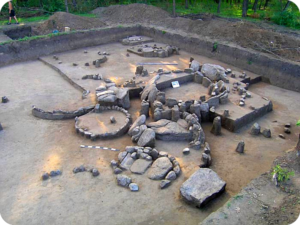 Острів Хортиця – святилища древніх богів та стародавні поховання предків (фото). Aaa_ia23