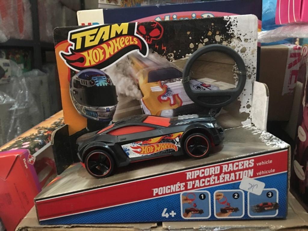 HOT WHEELS TEAM RIPCORD RACERS Mac10