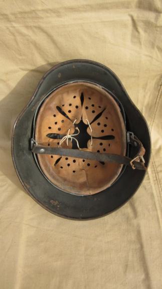 La folie des M35 et autres casques teutons - Page 4 Img_4520