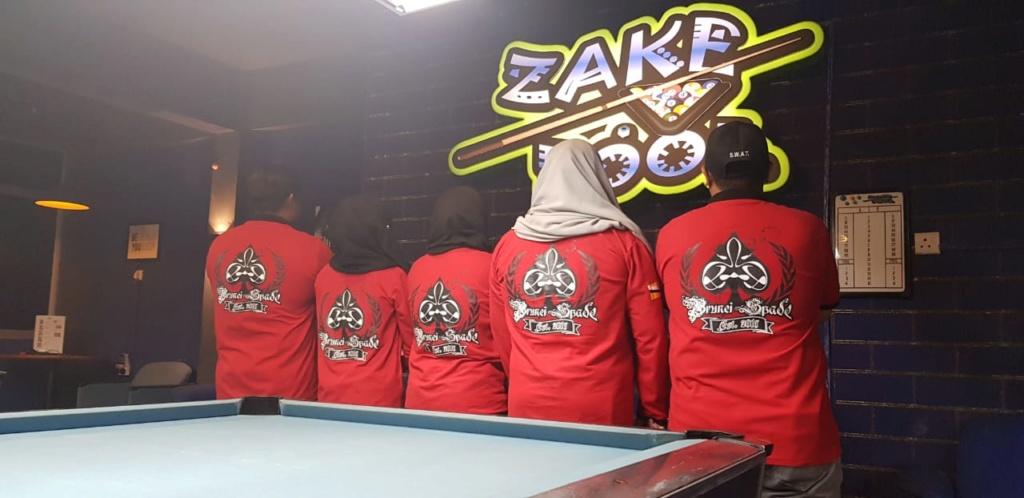 BN Spade at zake pool Img-2011