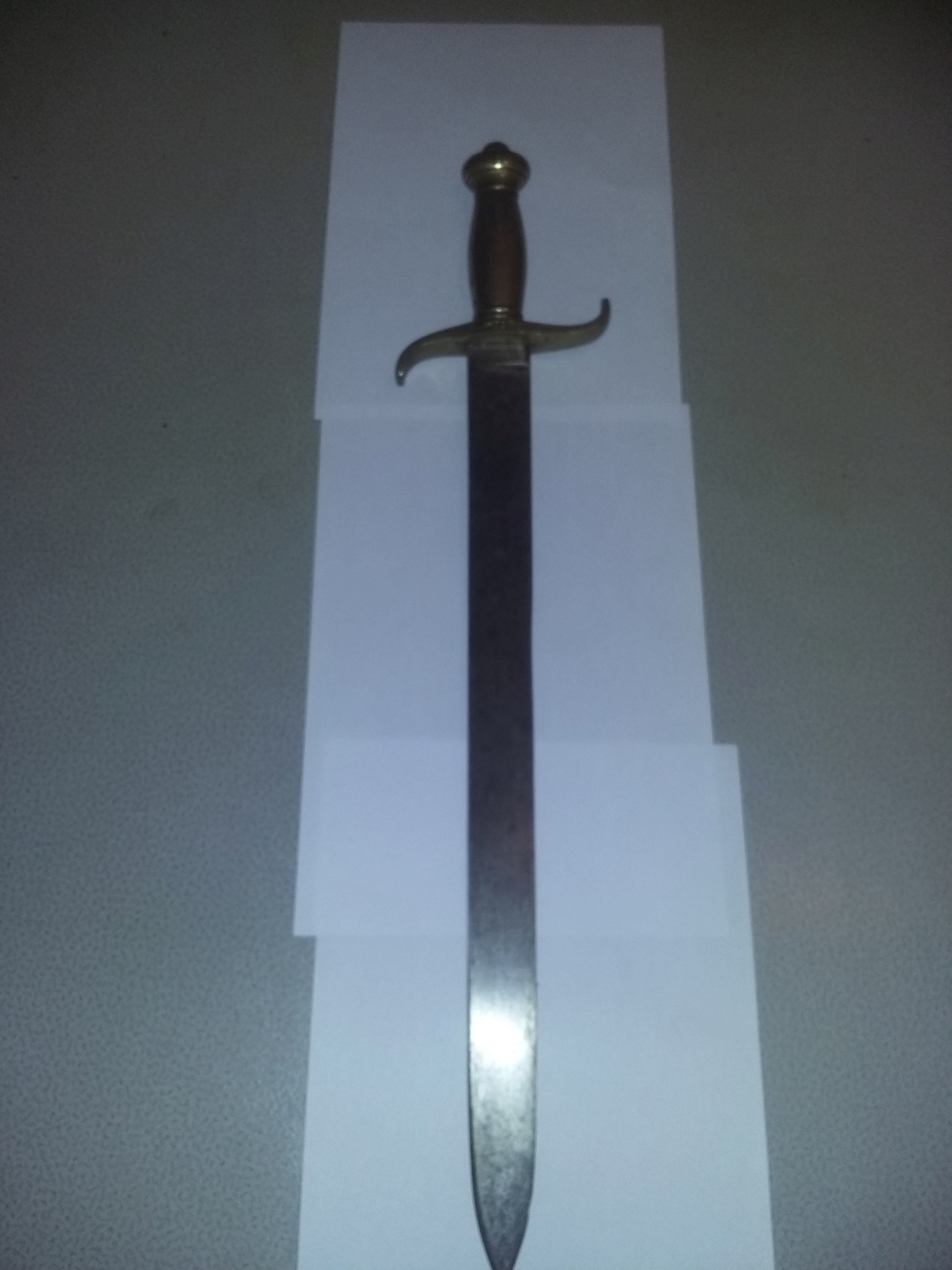 Connaisseur pour avis sur un sabre briquet Zopzoe10