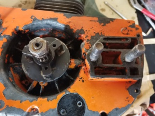 Pompa olio Oleomac 260 Img_2073