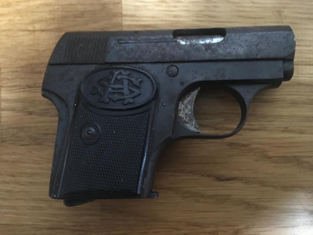 Pistolet 6,35 à identifier 00112