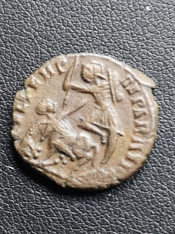 AE3 de Constancio II. FEL TEMP REPARATIO. Soldado alanceando jinete. 15916213