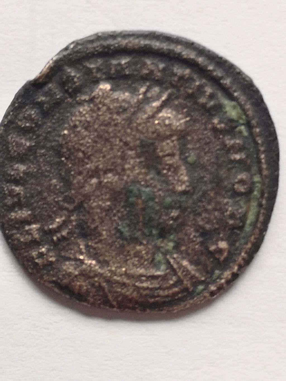 AE3 de Constancio II. GLORIA EXERCITVS. Soldados entre 2 estandartes. Constantinopla 16238413