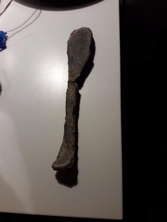 Morceaux cuillères marquer DB à identifier  15995910
