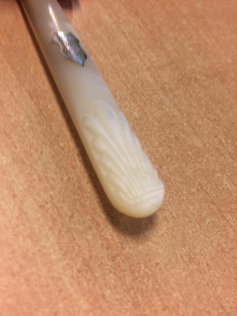 Reparation de manches en nacre ...  Img_7211