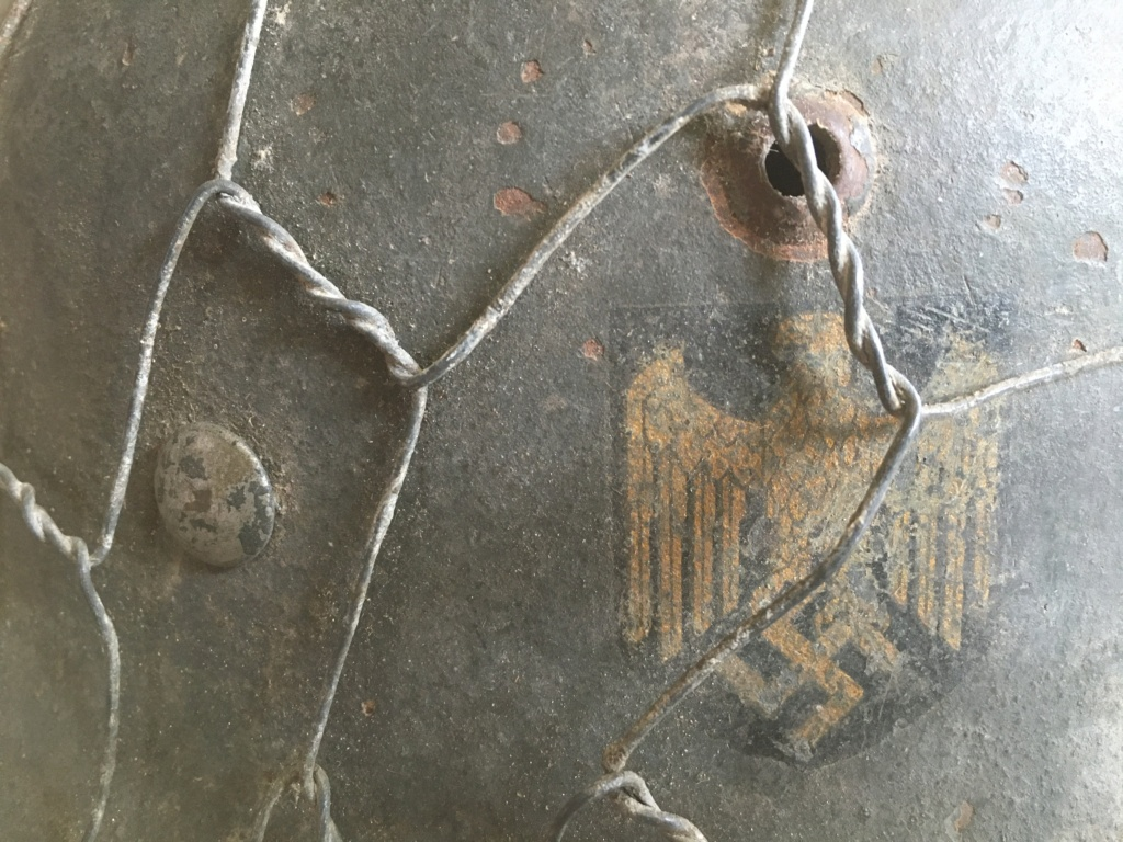 Authentification Casque Allemand grillagé WW2 Img_1014
