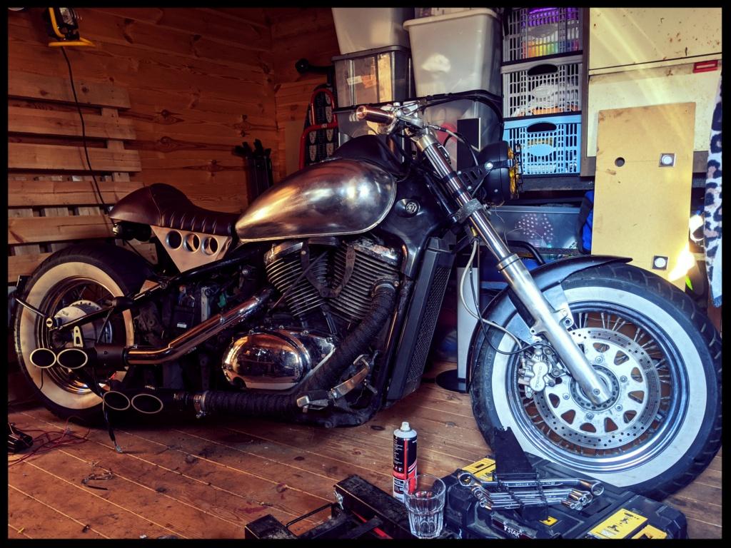 VL800 cafe Racer + Bobber = Clobber my build Img_2010