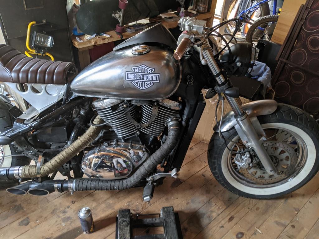 VL800 cafe Racer + Bobber = Clobber my build Pxl_2035