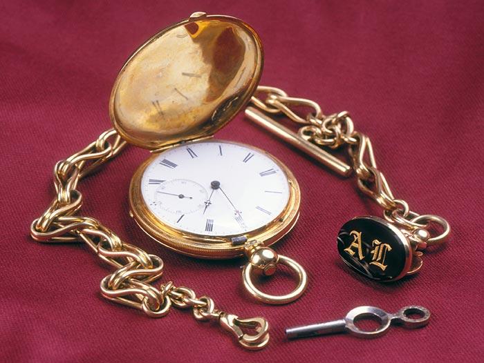 Des montres qui appartiennent à l'histoire ...  24-lin10