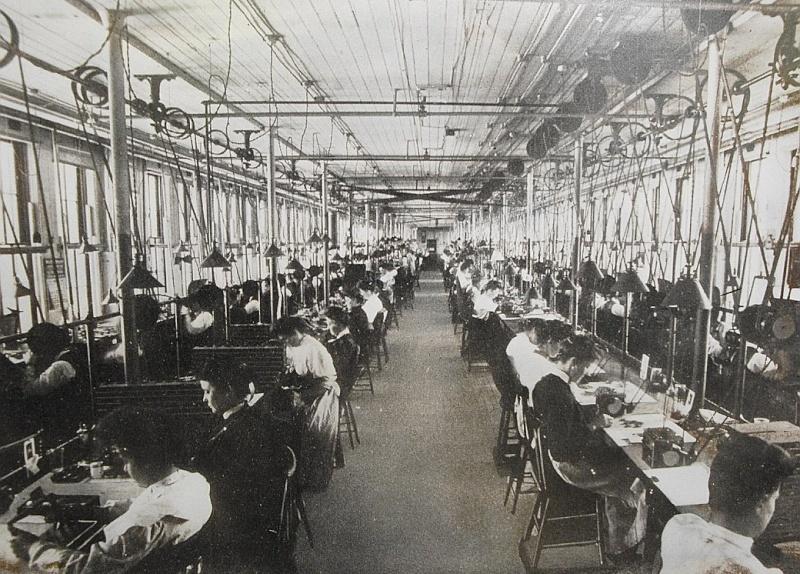 L'histoire des manufactures américaines ...A la conquête de l'Ouest Horloger Dsc00110