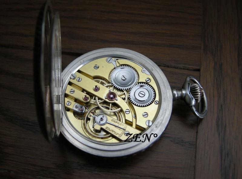 Je suis tombé en extase devant cette montre qui vient de Belgique ...  Triple14
