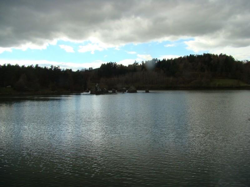 Puka et Chadka au Lac de la Cassière 16_lac12