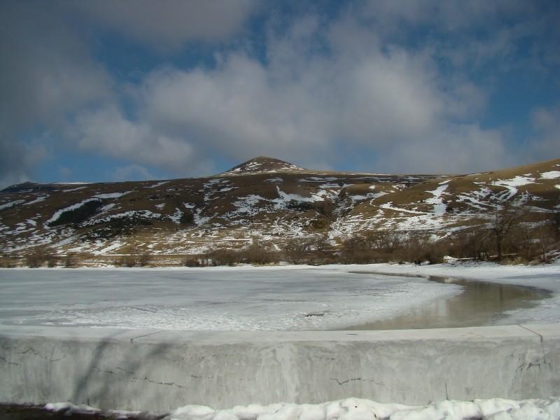 Puka et Chadka au Lac du Guéry Dsc06228