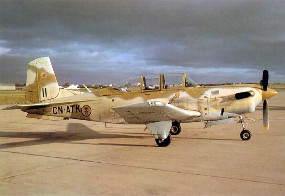FRA: Photos avions d'entrainement et anti insurrection - Page 5 Clipbo18