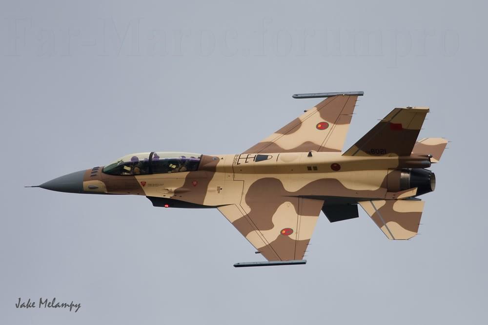 Photos RMAF F-16 C/D Block 52+ - Page 2 08-80211