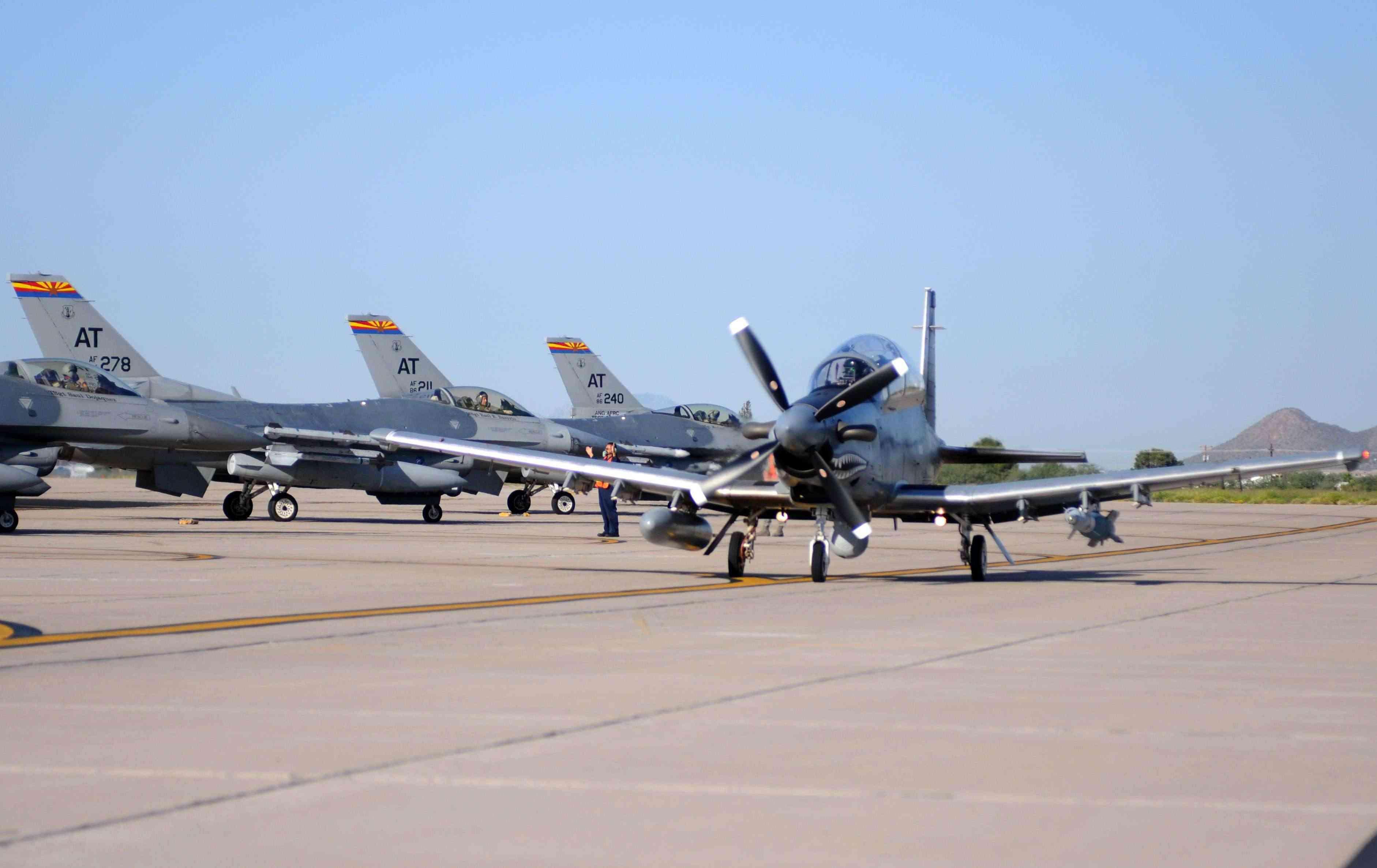 retour des avions d´attaque légers COIN/Light Attack 11092810