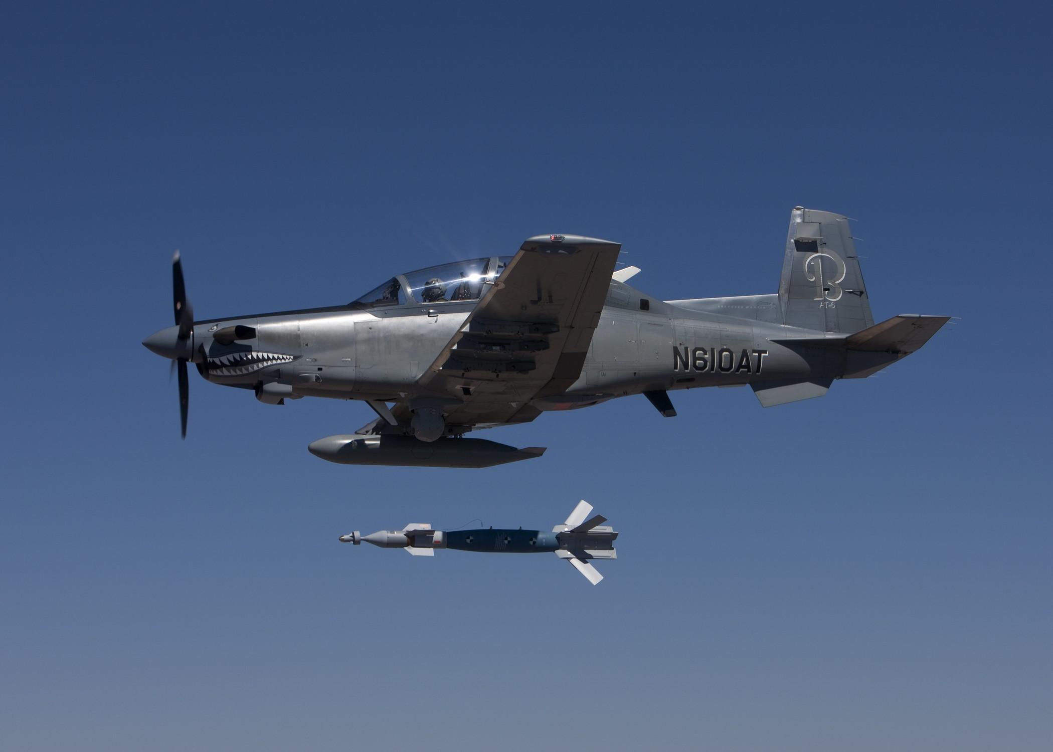 retour des avions d´attaque légers COIN/Light Attack 11092811
