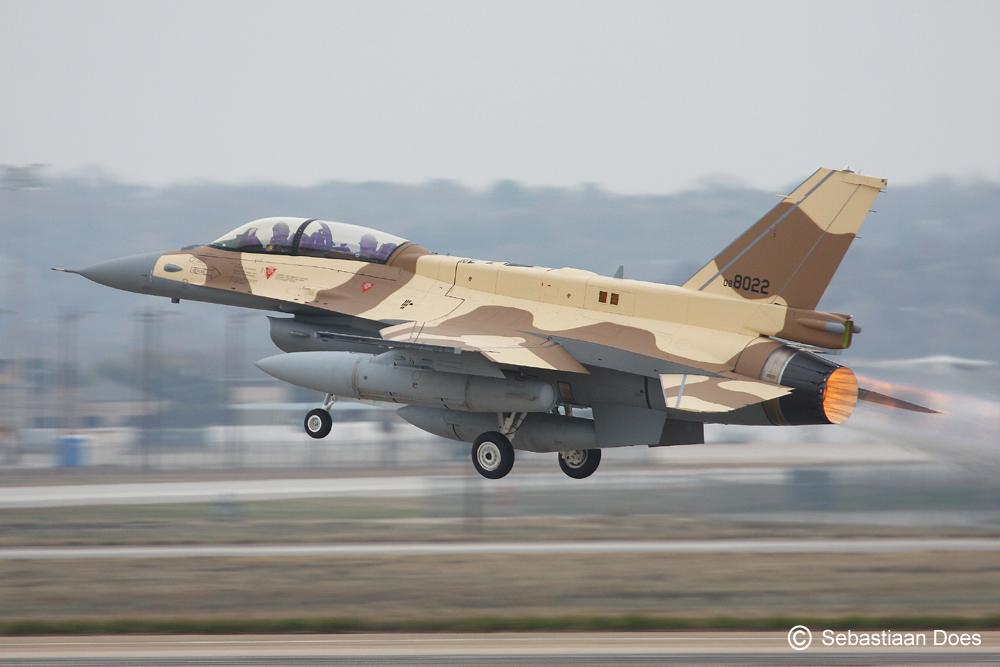 Photos RMAF F-16 C/D Block 52+ - Page 2 2011-110