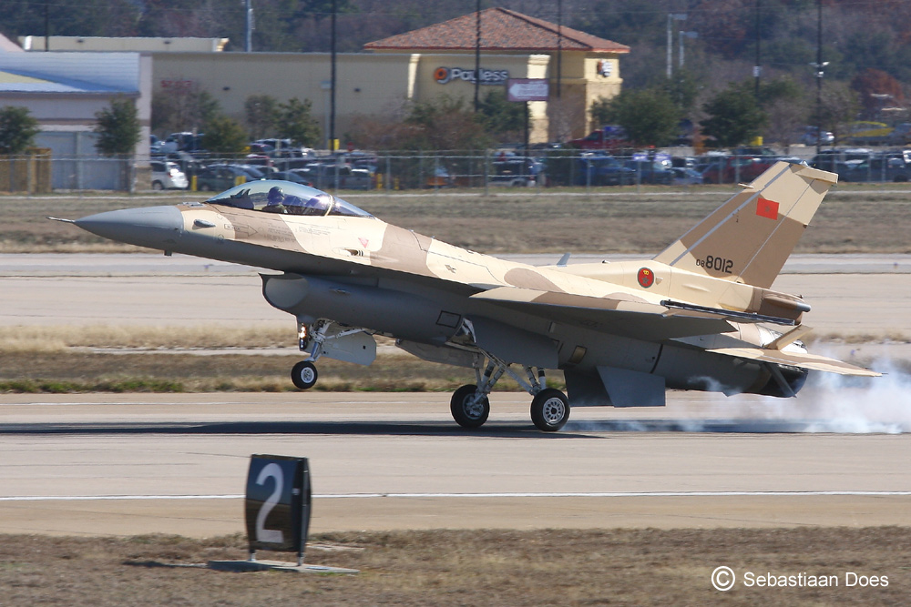 Photos RMAF F-16 C/D Block 52+ - Page 2 2011-112