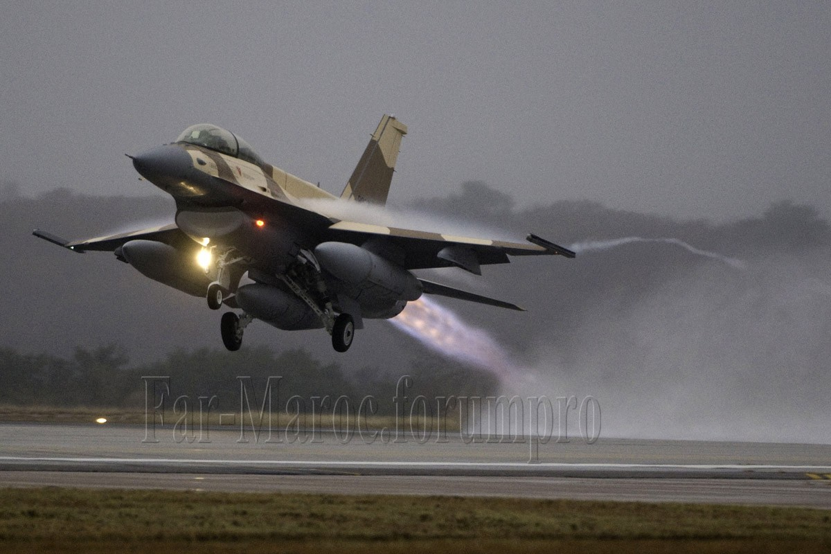 Photos RMAF F-16 C/D Block 52+ - Page 2 2011_r11
