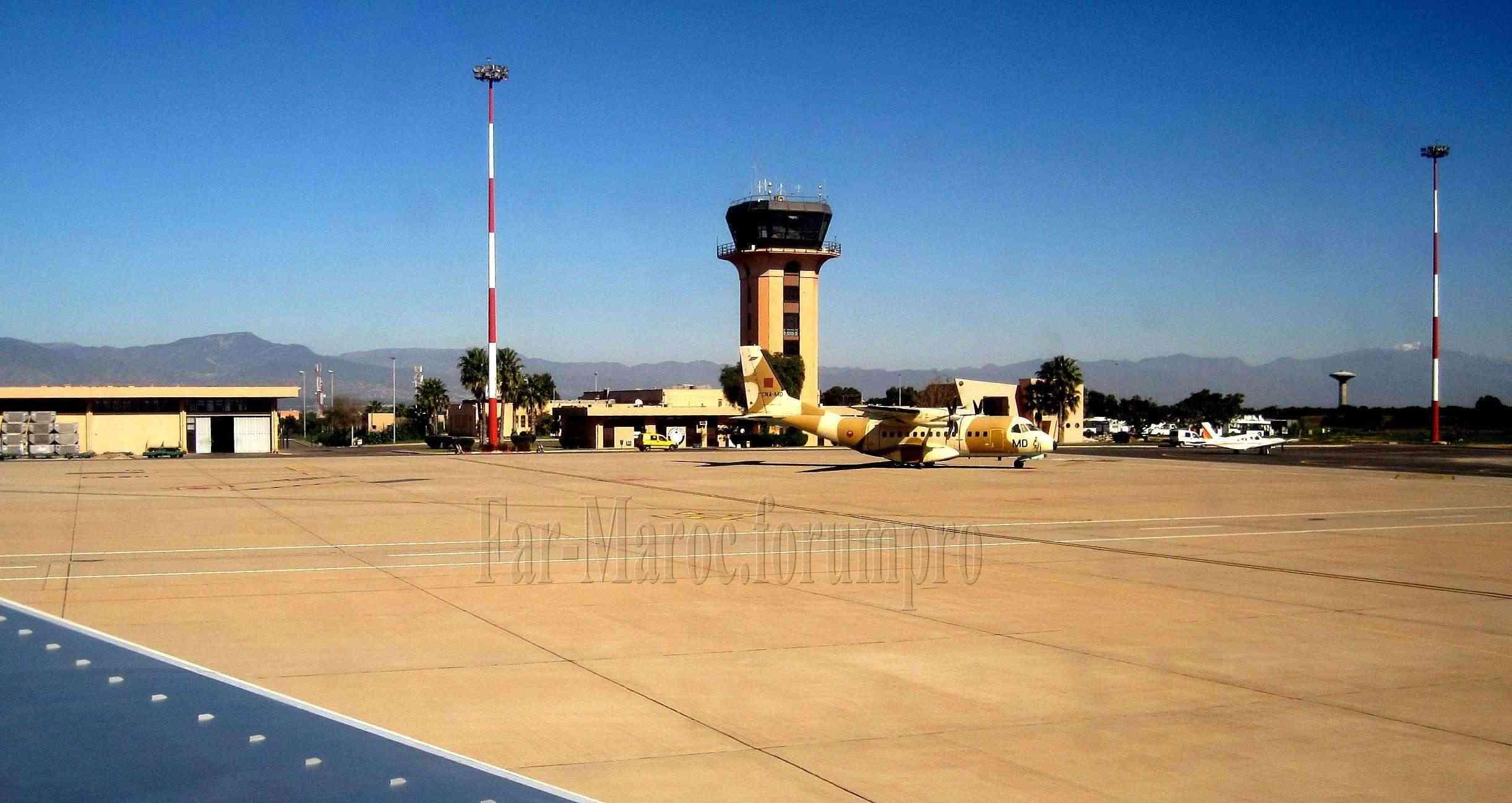 FRA: Photos d'avions de transport - Page 12 53535210