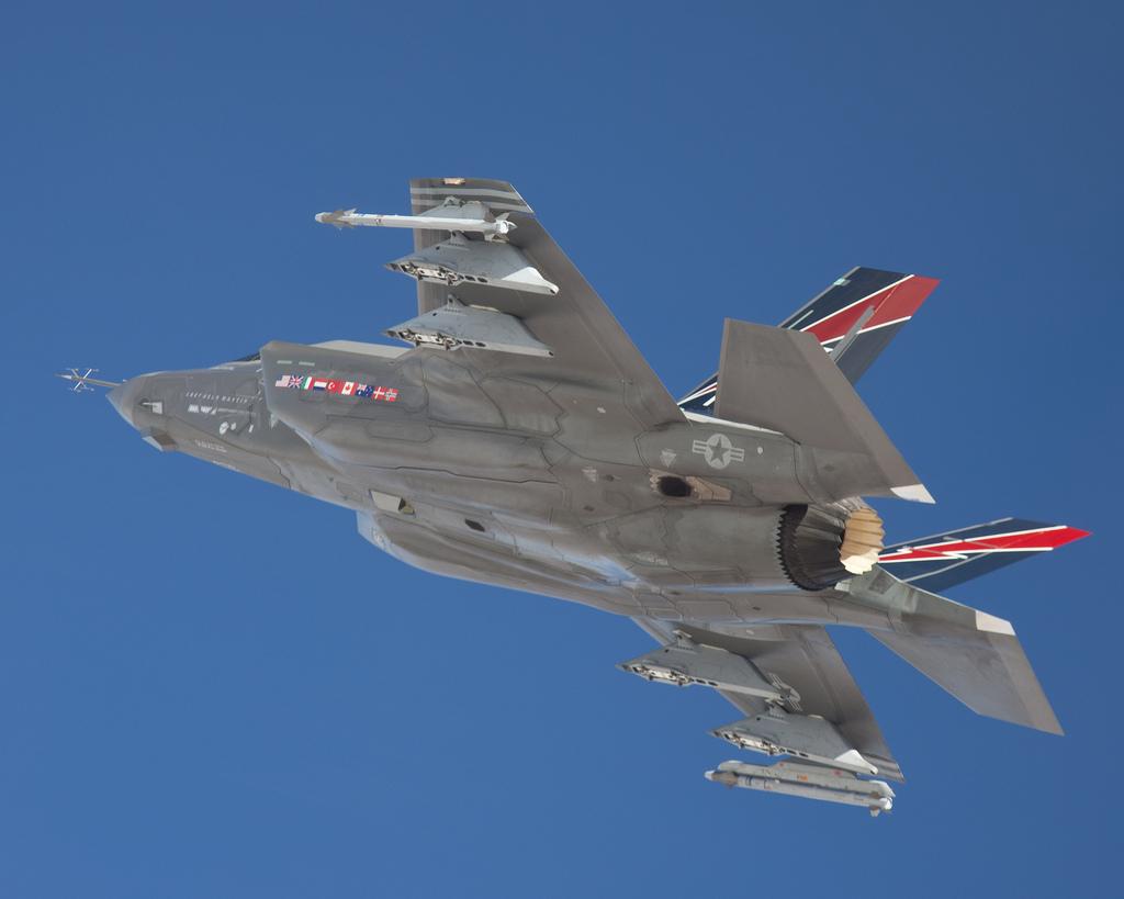 JSF F-35 Lightning II - Page 19 69110410