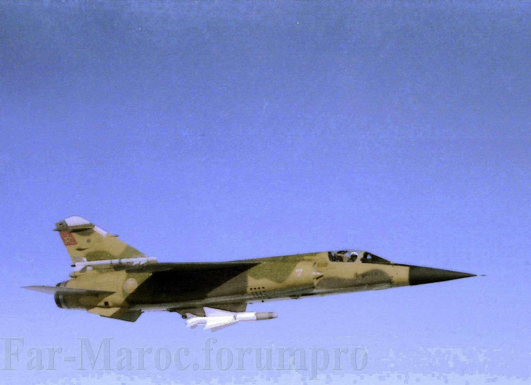 Missiles (Air-Air / Air-Sol / Air-Mer) roquettes et bombes en dotation. - Page 8 7kruxa10