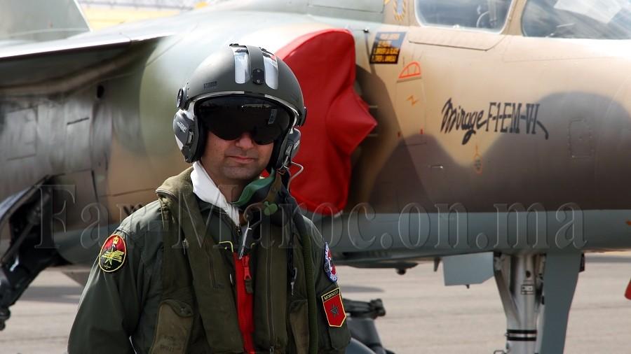 Tenues de vol / Equipements de nos pilotes - Page 3 Clipbo25