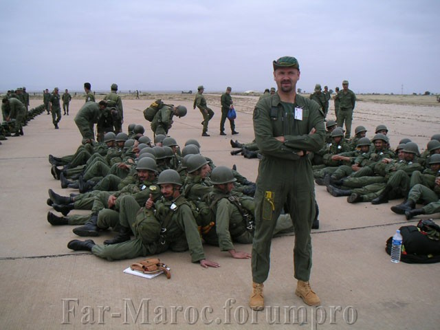 Parachutistes Militaires Marocains / Moroccan Paratroopers - Page 7 Marocc12